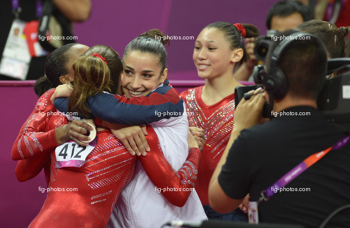 Olympic Games London 2012: team USA hugging