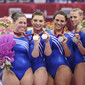 Worlds Trampoline St. Petersburg 2009: victory ceremony women tumbling, team USA