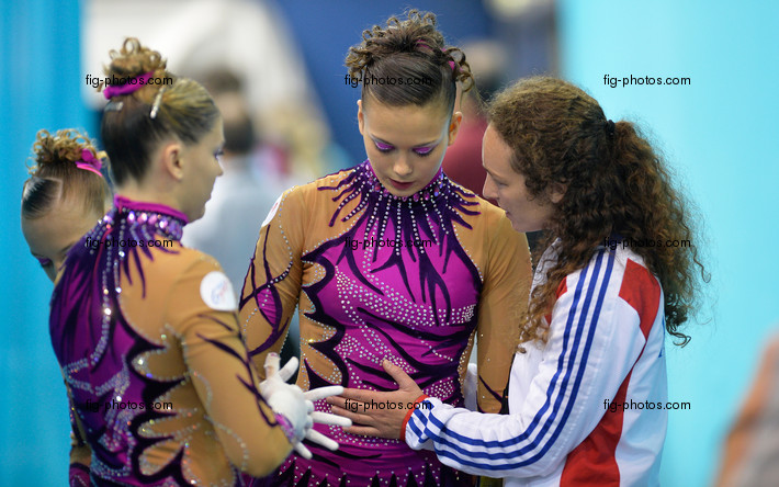ACRO WCh 2014 Paris/FRA: AYON Madeleine COSTES Alizee NADAUD Noemie/FRA2