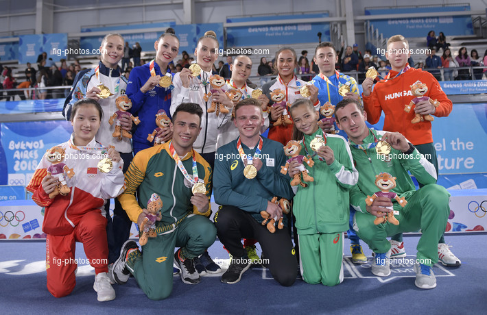 """Youth Olympic Games Buenos Aires/ARG 2018: victory ceremony """"teams"""", Simone Biles gold,"""