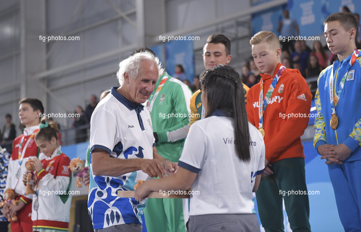"Youth Olympic Games Buenos Aires/ARG 2018: victory ceremony ""teams"", GUEISBUHLER Andre"