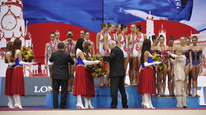 Rhythmic WCh Moscow/RUS 2010: podium groups hoop