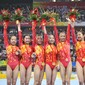 Olympic Games 2008: CHN team with flower and medals