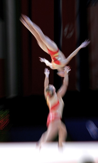 Acrobatics WCh Lievin: abstract movement