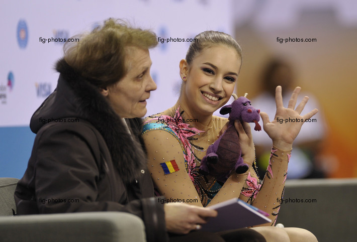 Visa International Gymnastics 2012: PISCUPESCU Alexandra/ROU